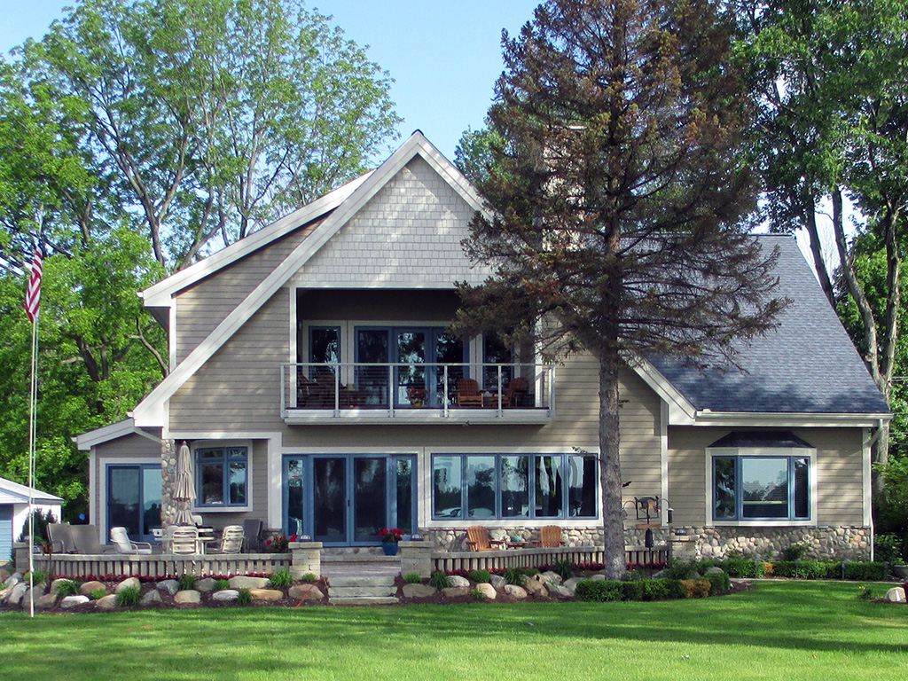 Lakefront homes laduke construction for Www house and home